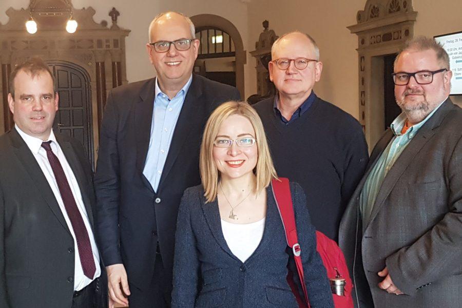 Fünf abgebildete Personen, Namen (von links nach rechts): Peter Bohlmann, Andreas Bovenschulte, Dörte Liebetruth, Herfried Meyer, Heiko Oetjen.